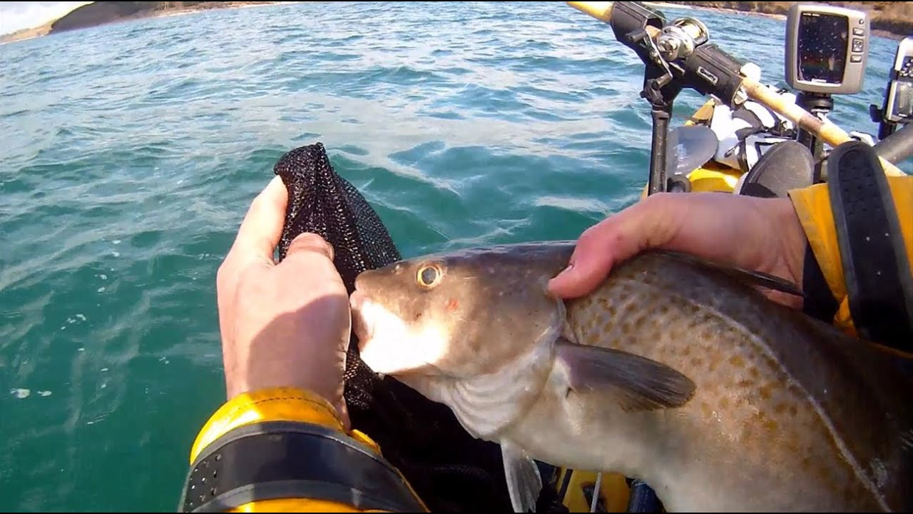 Kayak fishing how to keep your catch fresh youtube for Kayak fish stringer