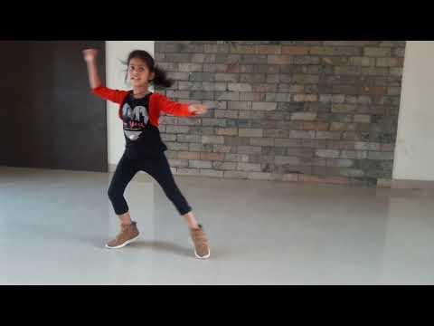 Akh Lad Jaave Dance |Loveyatri| Tanisha Pattanaik
