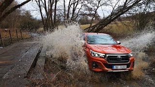 2018 Toyota Hilux off-road - mud + water