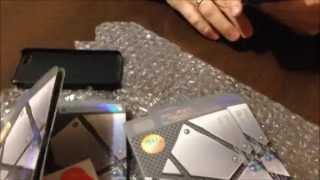 тонкий алюминиевый чехол для iphone 5 и закаленное стекло с алиэкспресс(чехол покупали тут: http://ru.aliexpress.com/item/0-3mm-Thin-Aluminum-Hard-Case-for-iphone-5-5S-Titanium-Steel-Mesh-Metal-Back-Cover/1197921638.html ..., 2015-01-09T05:10:22.000Z)