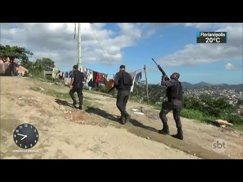 PMs são presos por cobrar propina de traficantes no Rio de Janeiro | SBT Brasil (30/11/17)