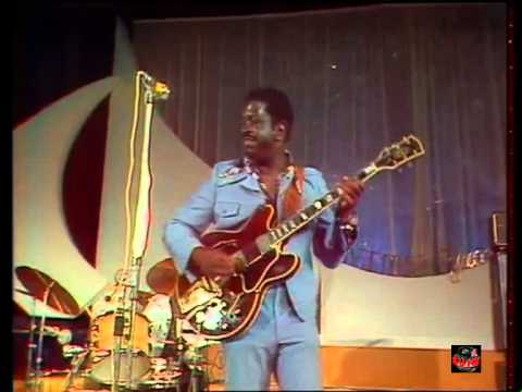 1975   Baby Please - Mighty Joe Young (Live video)