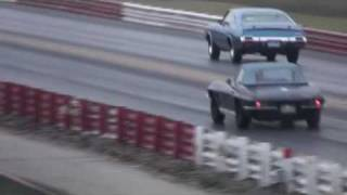 1964 Corvette vs 1971 442