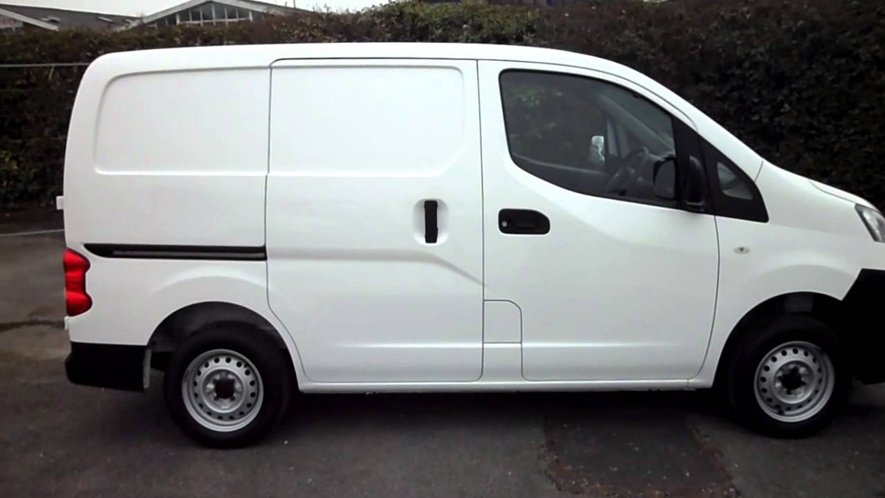 12reg nissan nv200 panel van what a great medium size van for just 9345 vat youtube. Black Bedroom Furniture Sets. Home Design Ideas