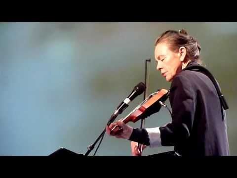 Laurie Anderson -- JUNIOR DAD (Lou Reed) -- Stadsschouwburg Amsterdam -- 22 october 2016