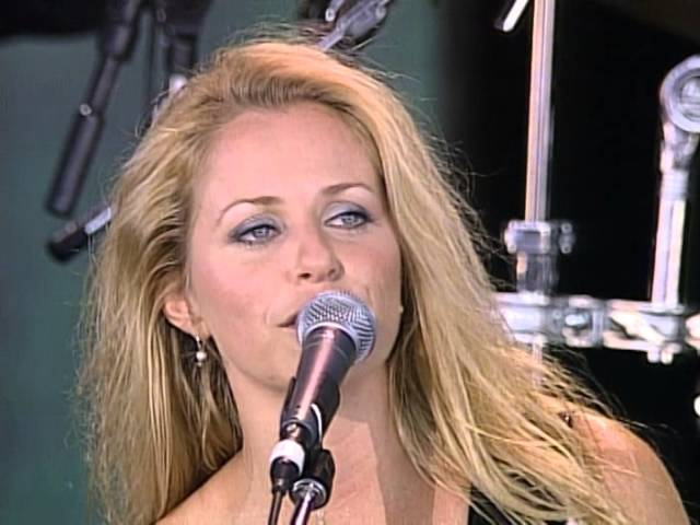 Deana Carter - Free Fallin' (Live at Farm Aid 1999)