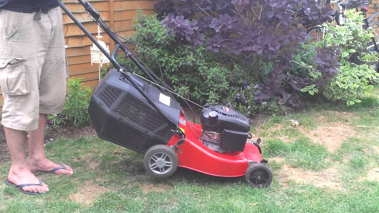 champion 46 cm self propelled lawnmower youtube rh youtube com Manual Push Lawn Mowers Home Depot Lawn Mower Manual