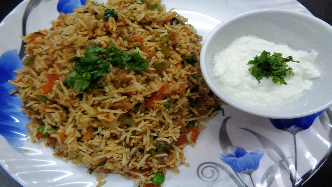 Tawa Pulao Recipe-Use leftover rice-Mumbai Style Tawa ...