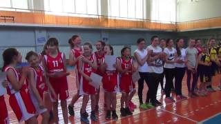 Награждение. Девочки U-13 Первенство Новой Каховки по баскетболу 6.05.2017