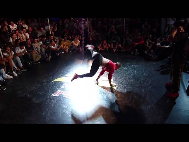 Semifinale @redbull Bc One Italy 2016 Movycube vs Mowgly (Marittima Funk)