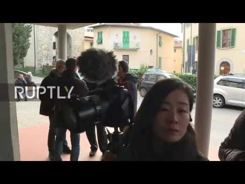 LIVE: Italy's constitutional referendum: PM Renzi arrives to cast vote