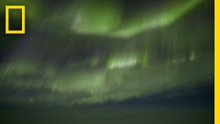 See the Beauty of the Northern Lights From a Plane's Cockpit | National Geographic