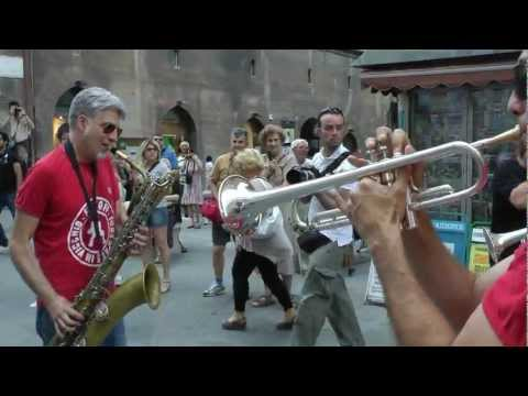 UMBRIA JAZZ 12 - FUNK OFF live [full HD]
