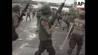 Indonesia - Security forces fire on student rally