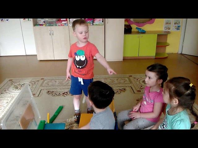 Изображение предпросмотра прочтения – АндрейНазипов читает авторское произведение «Детская считалочка»