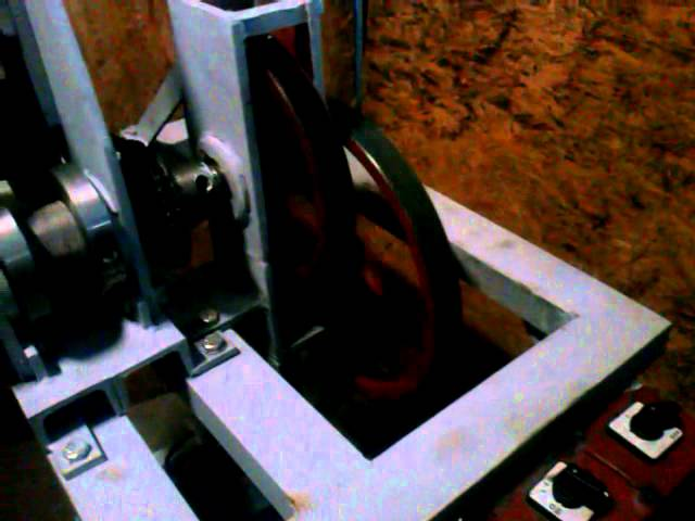 Masina de rulat profile cu motor monofazat