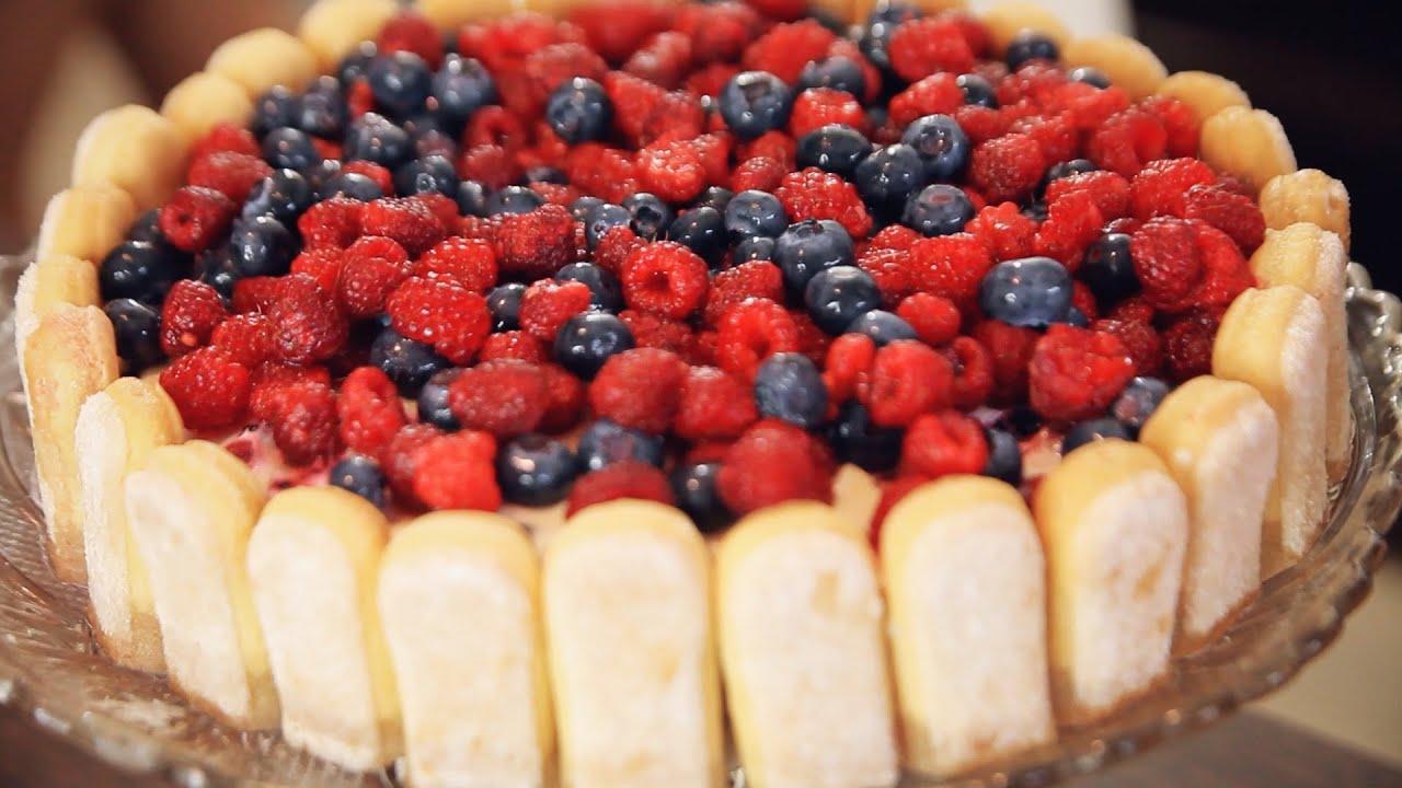 Prajitura cu fructe congelate si piscoturi