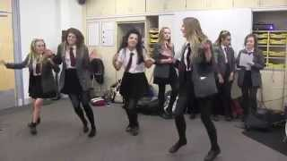 Torquay Academy Year 9 Music Students Learn Elvis Presley's 'hound Dog' In Just 40 Minutes!