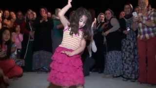 ROMAN HAVASI SEVENLER-█▬█ █ ▀█▀ oynayan küçük kız -Kurt Prodüksiyon