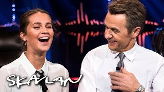 Alicia Vikander answers dilemmas from Fredrik | English subtitles | SVT/NRK/Skavlan