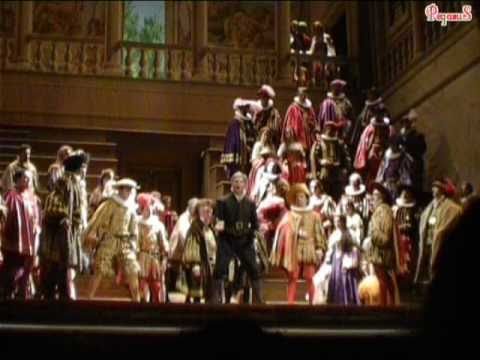 Anthony Michaels-Moore sings 'Cortigiani vil razza dannata!' from Verdi's 'Rigoletto'