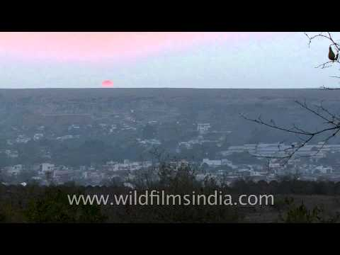 Time lapse when the sun goes down in Gwalior