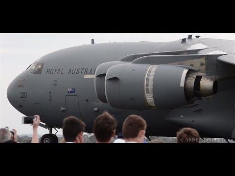 Reversing RAAF C-17A Globemaster + LOUD TAKEOFF - Avalon 2015