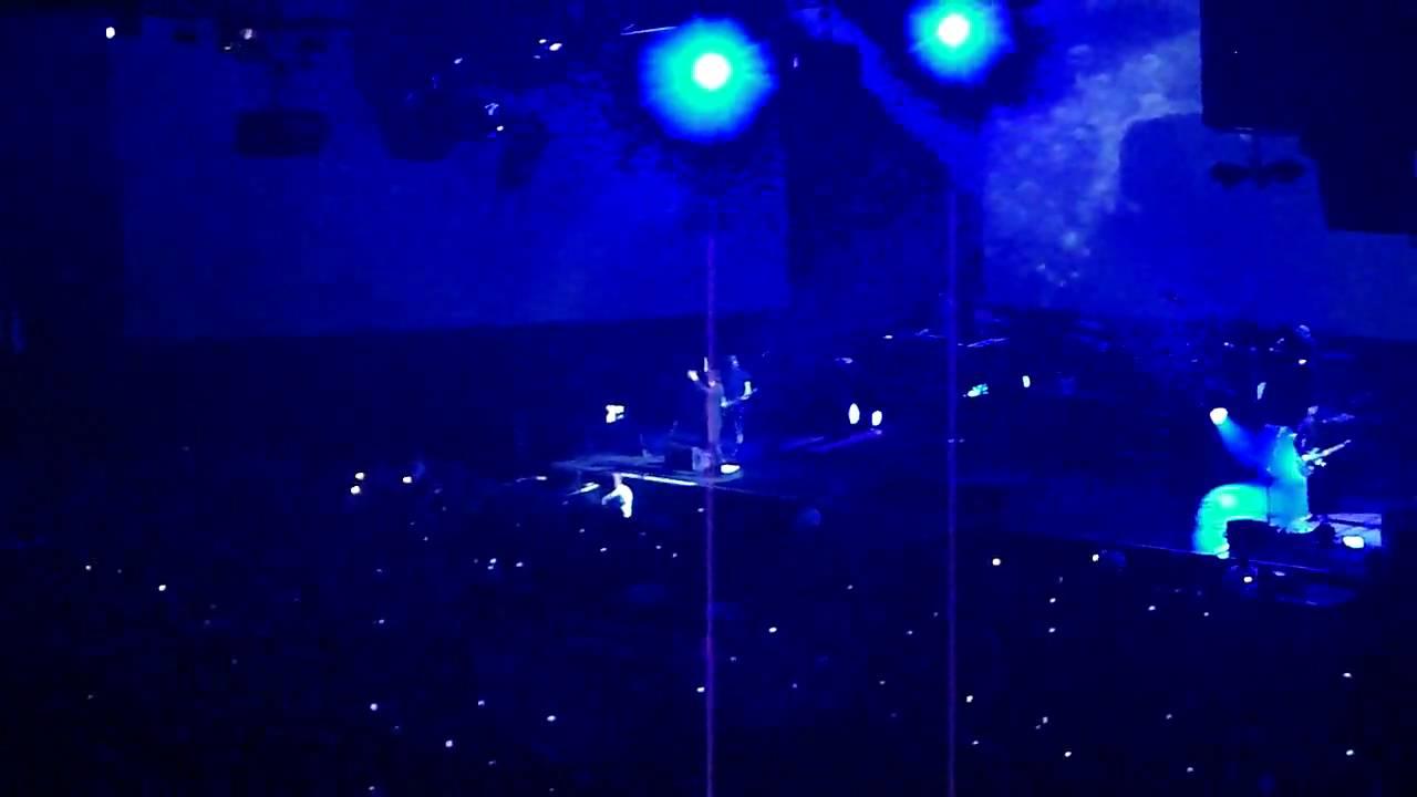 Indochine-J'ai demandé à la lune. Concert Live Zénith ...