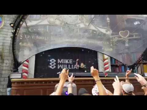 Mike Williams Invites Lucas & Steve On Stage | Tomorrowland 2017