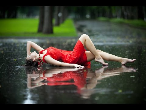 Beth Hart - Caught Out In The Rain - Lyrics (HD)