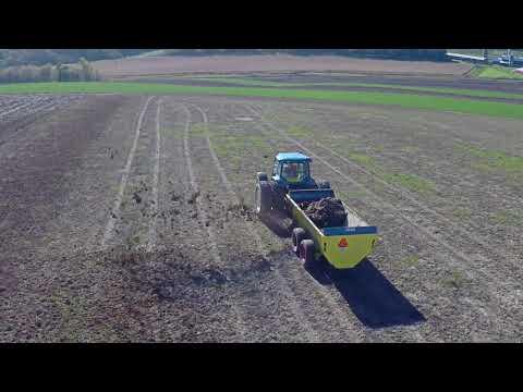 LEO Agriculture 20 Series Slinging Manure Spreader