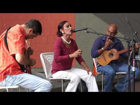 "Sonia Vasconcelos y Contraverso cantan ""Coquivacoa"" de Alí Primera"