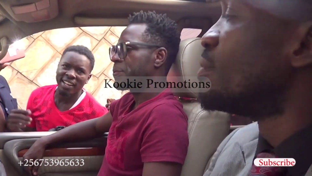 Bobi Wine ne Nubian Li Bakyankalanyizza Makindye nga bagenda ku Radio Sapientia.