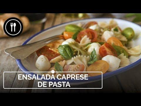 Vídeo receta de ensalada caprese de pasta, una versión con más cuerpo del clásico italiano