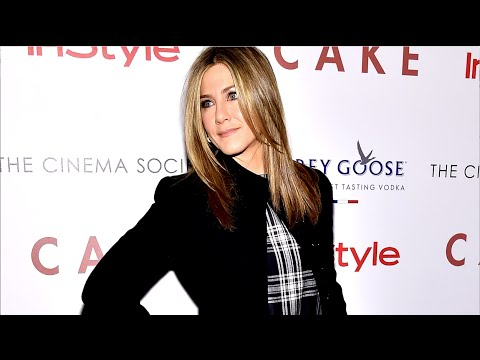 How To Get Jennifer Aniston S Sleek Blowout Straight From Her