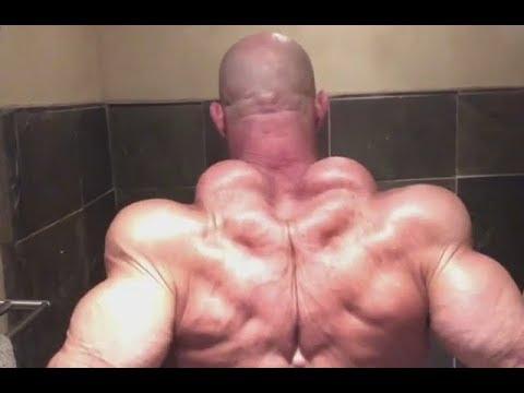 Bodybuilder has Fake Traps?