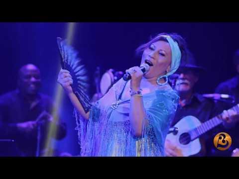 Maria Victoria-Entre dos aguas (Live)