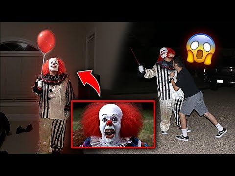 SCARY KILLER 'IT' CLOWN PRANK GONE WRONG!! *HE PUNCHED HIM*