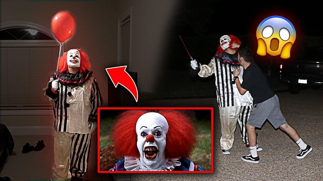 """scary killer """"it"""" clown prank gone wrong!! *he punched him* 