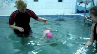 Малыш ныряет - Обучение плаванию в бассейне в Минске для детей (Курсы,Секция,занятия)