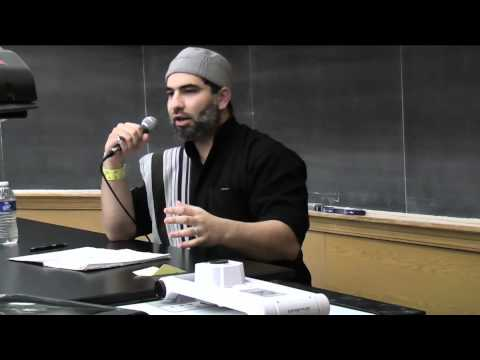 Enlivening the Heart in Salah - Ustadh Ali Ataie