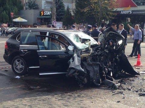 Пьяная женщина на Porsche протаранила троллейбус в Кишиневе