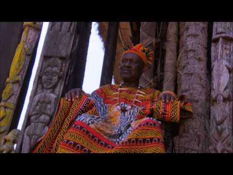 Patrick bezoekt een koning in Kameroen!