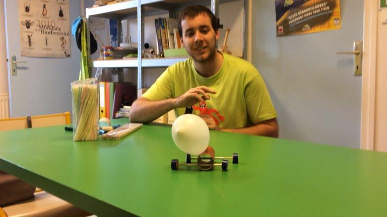 Tuto construire une voiture ballon avec du mat riel de for Construire sa voiture