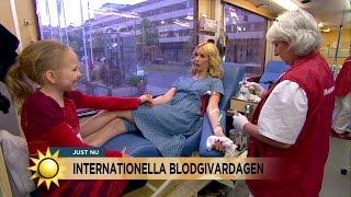 Jenny ger blod för första gången - Nyhetsmorgon (TV4)