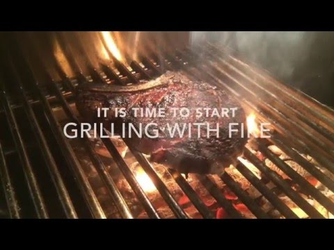 Curtos.com - Review: Alfresco ALXE Grill - Cooking With Wood-Fire!