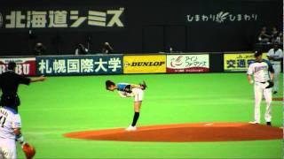 2011/6/11 札幌ドームでの始球式です。(ケッペル投手は礼儀正しいですね)