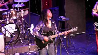 "Ruthie Foster LRBC 2010 ""People Get Ready"""