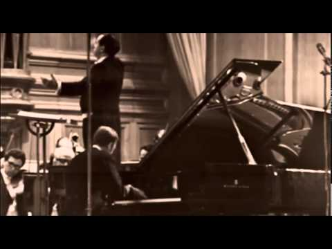 Rodion Shchedrin plays Shchedrin Piano Concerto no. 1 - video 1975