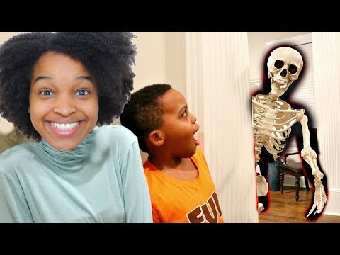 Thumbnail: HAUNTED SKELETON ATTACKS Bad Baby Shiloh and Shasha - Onyx Kids